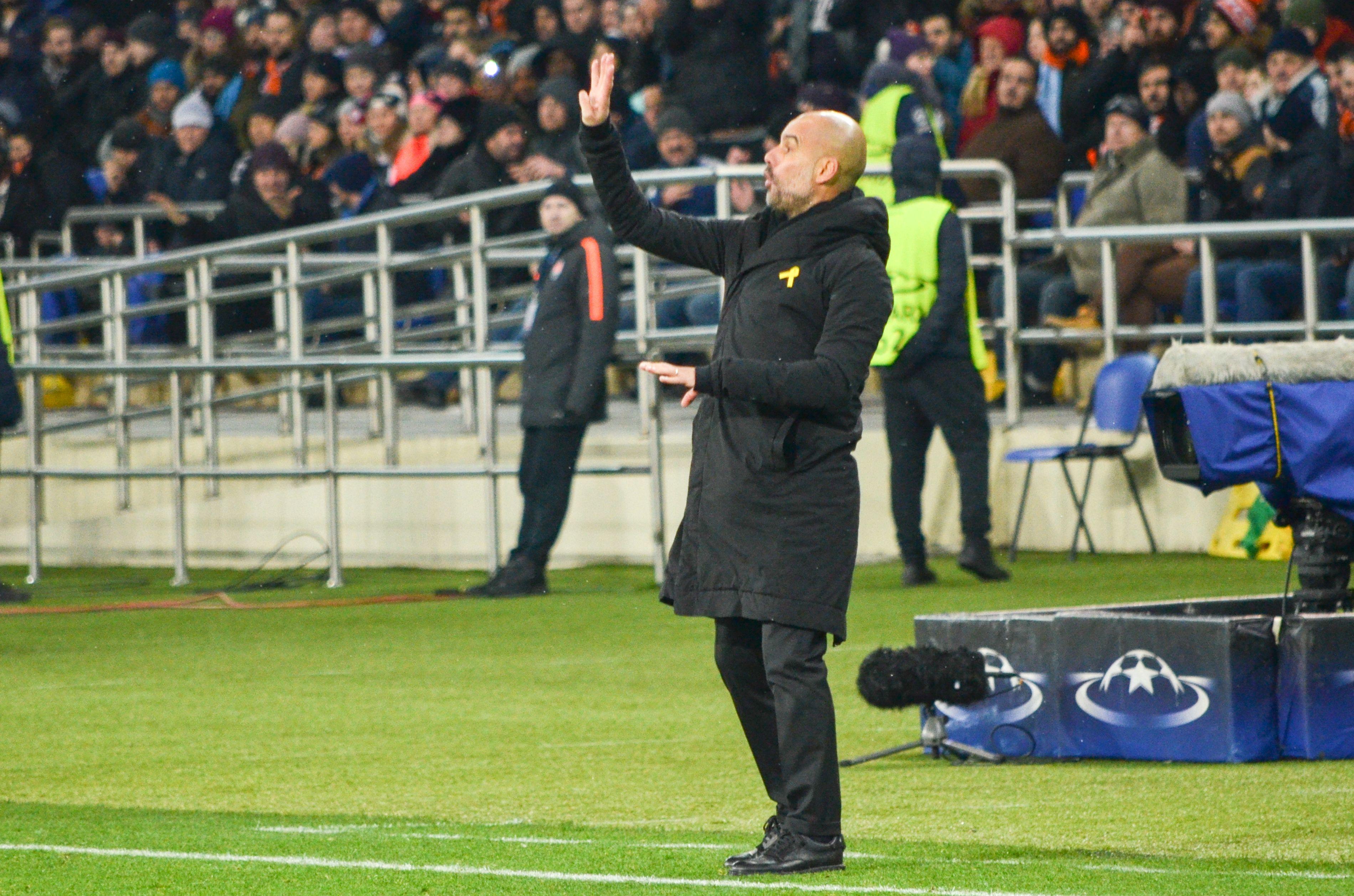 Pep Guardiola reagiert flexibel auf neue Umstände - und hat damit Erfolg.